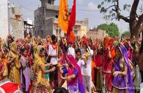PICS : गौ कृपा कथा के शुभारम्भ में उमड़े ग्रामीण