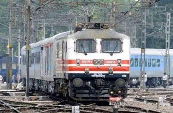 जबलपुर जीएम ने देखी मथुरा-कोटा रेलवे लाइन, बोले सतर्कता से करें कार्य