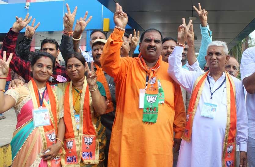 Gujarat BJP : जूनागढ़ मनपा में फिर लहराया भगवा,  कांग्रेस का सूपड़ा साफ