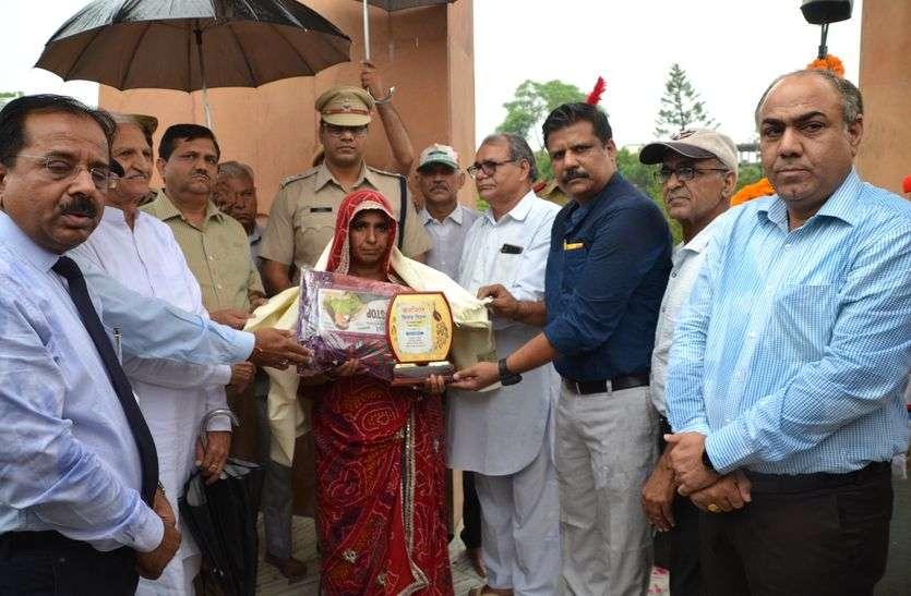 Kargil Vijay Diwas : करगिल विजय दिवस पर राजस्थान पत्रिका और सैनिक कल्याण बोर्ड की ओर से शहीद नमन और वीरांगना अभिनंदन समारोह आज शहीद स्मारक पर आयोजित हुआ।