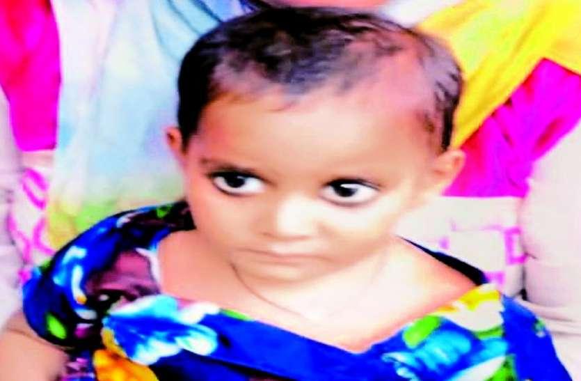 बीमार बेटी को अस्पताल ले जाने से मां ने किया इंकार, कार्यकर्ता ने ऐसे दी बच्ची को जिंदगी