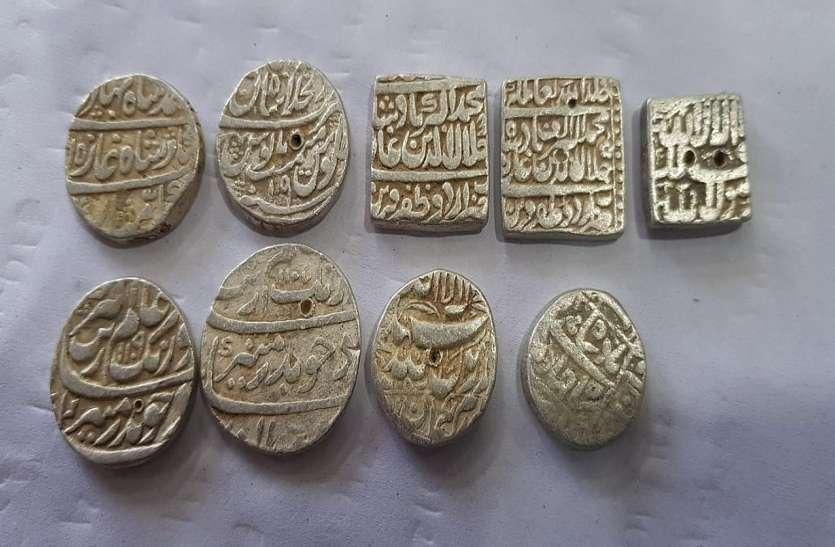 शिमला में मजदूरों को मिले थे एक बोरी मुगलकालीन चांदी के सिक्के, ऐसे खुला राज, देखें वीडियो