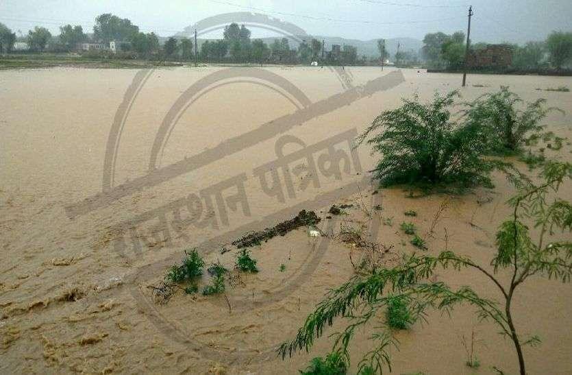 सीकर के बाद अलवर जिले में कई जगह लगातार बारिश, नदी-नाले उफान पर, 15 साल बाद बांधों पर चली चादर