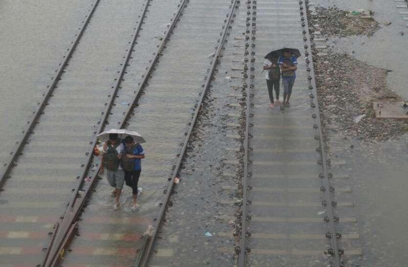 राजस्थान में कई जगह भारी बारिश से बिगड़े हालात, देखें PICS