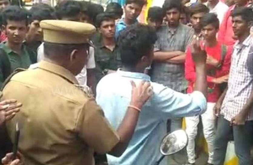 विद्यार्थियों को उकसाने के आरोप में छात्र नेता राजा गिरफ्तार