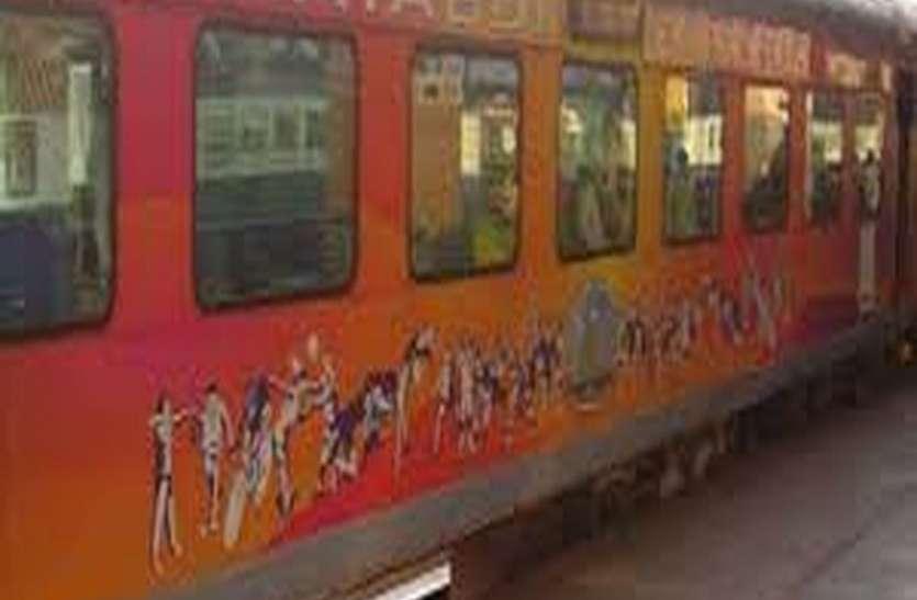 मुम्बई से अहमदाबाद शताब्दी के गांधीनगर तक विस्तार की मांग