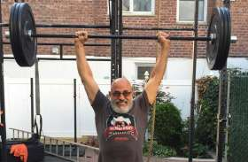 80 साल की उम्र में भी क्रॉसफिट चैम्पियन हैं 'दादाजी'