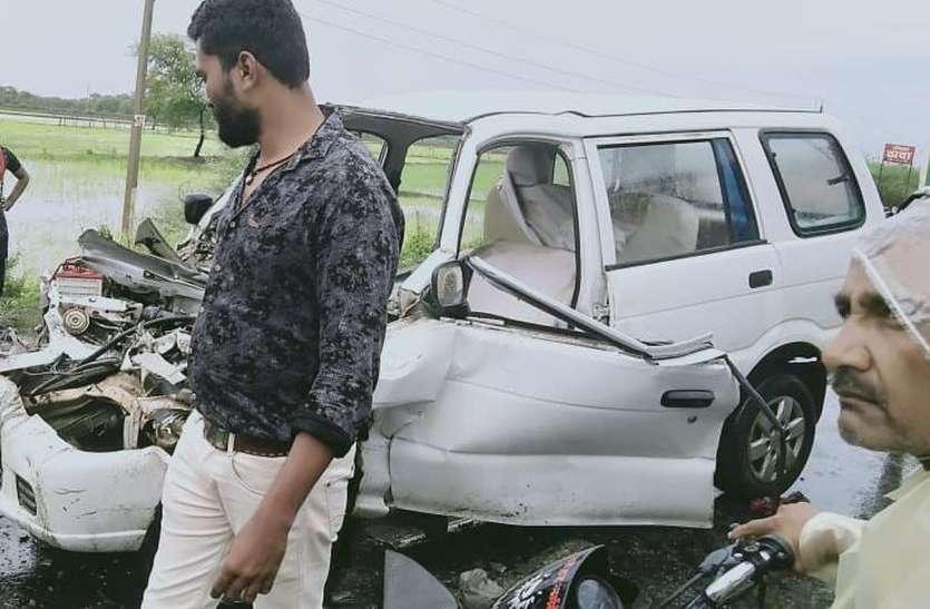 road accident-सडक़ हादसों में शिक्षिका सहित तीन की मौत, आठ घायल