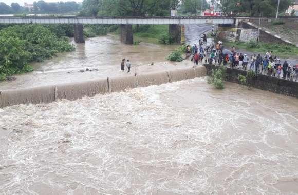 घरों में पानी भराया तो कहां था बाढ़ राहत दल-बाढ़ आई तो किससे मांगेंगे मदद