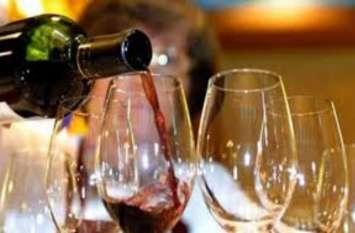 तनाव और डिप्रेशन को कम करती है शराब, नए शोध में हुआ खुलासा