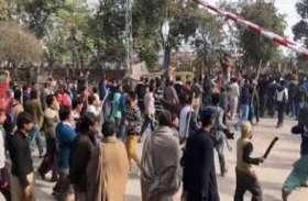 पाकिस्तान में नाबालिग हिंदू लड़की दो महीने से लापता, लोगों ने किया प्रदर्शन
