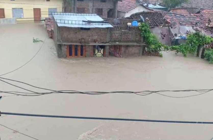 तालाब फूटने से 18 गांव जलमग्न, कई नादियों का जलस्तर बढ़ा, 19 जिलों में भारी बारिश का अलर्ट