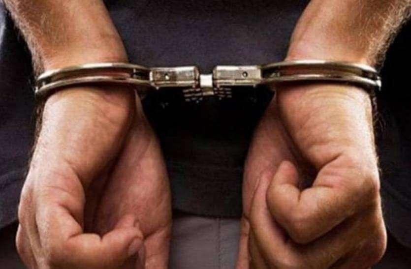 BREAKING: शामली मदरसे में छापेमारी से मचा हड़कंप, पुलिस रेड में 4 विदेशी नागरिक समेत सात गिरफ्तार