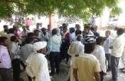 प्रसूता की मौत, परिजनों ने शव सड़क पर रख किया हंगामा