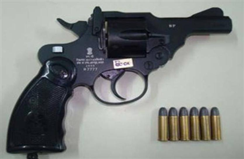 केन्द्र सरकार के एक नियम ने बढ़ा दिए राज्य में अवैध हथियार