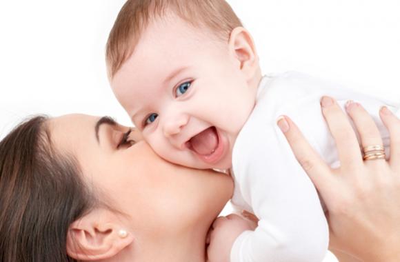 स्तनपान सदा सर्वोत्तम, शिशु को 6 माह तक कराएं स्तनपान