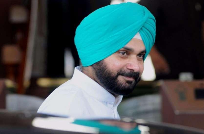 पंजाब कैबिनेट से इस्तीफे के बाद सिद्धू को झटका, विधानसभा में मिली दूसरी पंक्ति की सीट