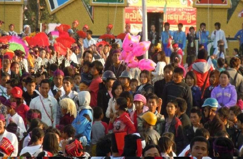 Illegal immigrants: पुलिस ने बगैर परिमट के रह रहे 1098 लोगों को गिरफ्तार किया