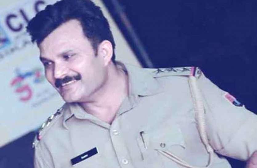 निलम्बित पुलिस निरीक्षक संजय बोथरा के घर पर तलाशी लेने पहुंची एसीबी की श्रीगंगानगर टीम