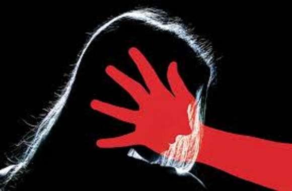 पिता ने बेटी को दी प्यार की सजा, मूंह दबाकर मार दिया