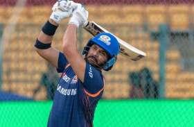 युवराज सिंह ने फिर की छक्के-चौकों की बरसात, 22 गेंदों में ठोके 52 रन