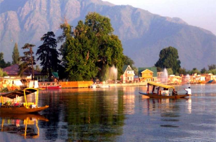 जम्मू-कश्मीर की खूबसूरत वादियों में हैं ये धार्मिक स्थल, एक बार जरूर करें यहां की यात्रा