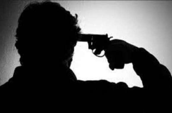थाने में पूछताछ के दौरान युवक ने खुद को मारी गोली