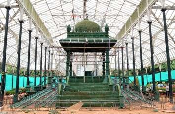 PICS: बेंगलूरु का वार्षिक फ्लॉवर शो : देखें तैयारियों के चित्र