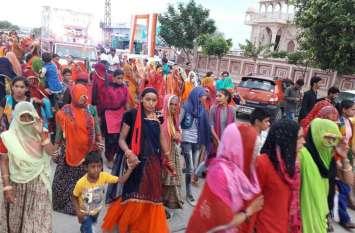 डिग्गी कल्याण जी की लक्खी पदयात्रा में झलकी श्रद्धा : बाजे छै नौबत बाजा म्हारा डिग्गीपुरी का राजा...