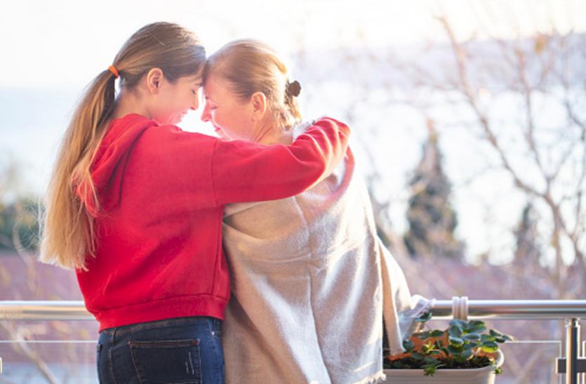मध्य आयु की महिलाओं में अल्जाइमर का खतरा बढ़ाता है तनाव