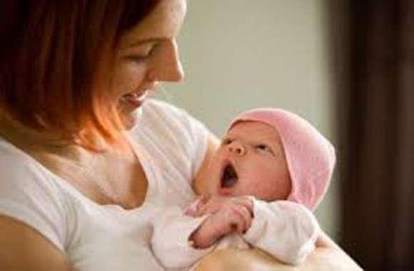 नहीं आई एम्बुलेंस इंतजार करती रह गई गर्भवती महिला फिर चलती बाइक पर हुआ प्रसव