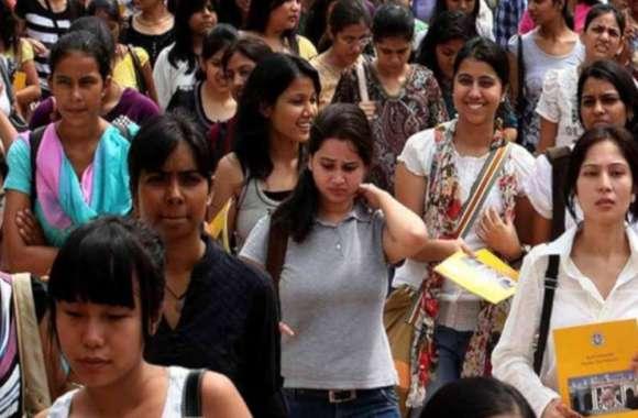 #DebateinCollege: भारत में बढ़ रही युवाओं के बीच बेरोजगारी, रोजगार मिलने के बाद भी युवा परेशान