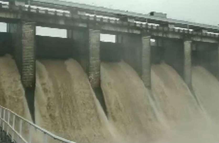 लगातार हो रही बारिश के कारण सतपुड़ा बांध का जलस्तर बढ़ा, 29 जिलों में भारी बारिश का अलर्ट