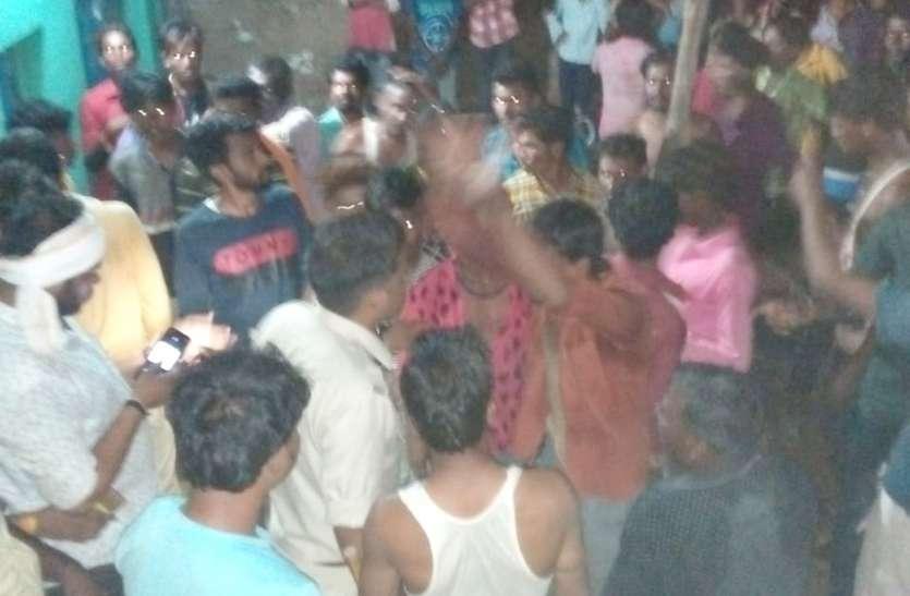बच्चा चोरी के शक में शराब ठेके के कर्मचारियों से मारपीट