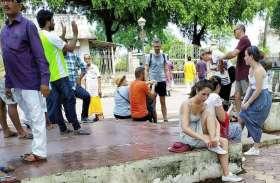खजुराहो में देशी-विदेशी सैलानियों को नसीब नहीं खाना, पढ़े पूरी खबर