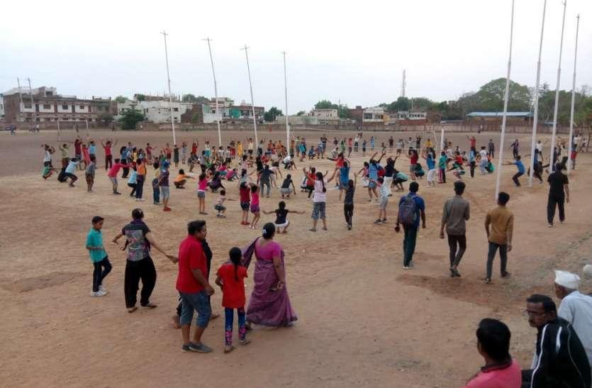 यूथ में वॉलीबॉल, कबड्डी खेल को लौटा ट्रेंड, खेल एवं युवा कल्याण विभाग रोजाना करा रहा 7 खेलों की गतिविधियां