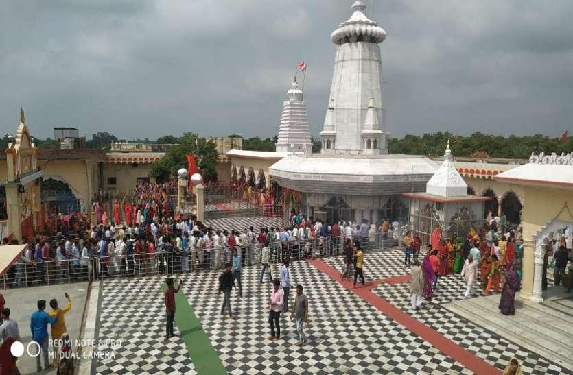 बाजार में बेचा गया था कुण्डेश्वर मंदिर का गेंहू, पुलिस से की शिकायत