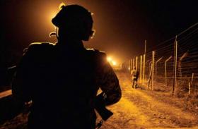 कश्मीर पर मोदी सरकार के फैसले से बौखलाया पाकिस्तान, LoC पर बना रहा सुरंग