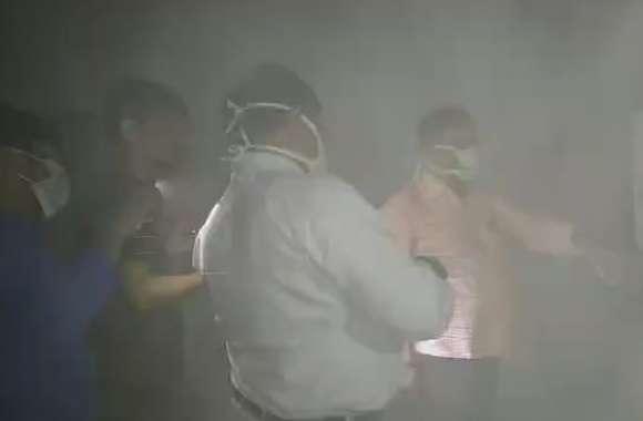 राबर्ट्सगंज जिला चिकित्सालय में आग लगने के बाद मची अफरातफरी, कई दस्तावेज जलकर राख