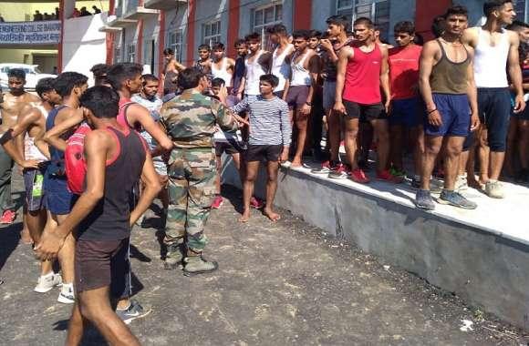 लेफ्टिनेंट कर्नल ने निजी कोचिंग संस्थान को फायदा पहुंचाने को करा दी सेना भर्ती अभ्यास दौड़!