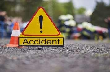 सड़क हादसे में दो मजदूरों की गई जान, एक ही मोटरसाइकिल पर थे चार मजदूर सवार