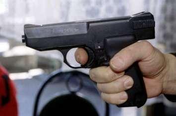 शराबी पति ने पहले पत्नी को मारी गोली फिर खुद भी कर ली खुदखुशी