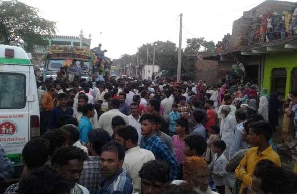 BHARATPUR NEWS : अनियंत्रित ट्रक ने बाइक सवार को कुचला,मौत...गुस्साए लोगों ने लगाया जाम