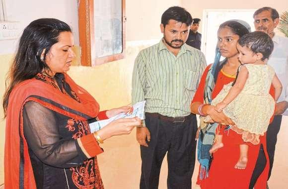 Rajasthan Patrika Campaign : किस्मत ने चार साल पहले मोनू के जीवन में भर दिया था अंधेरा, अब फैलने लगा मदद का उजियारा
