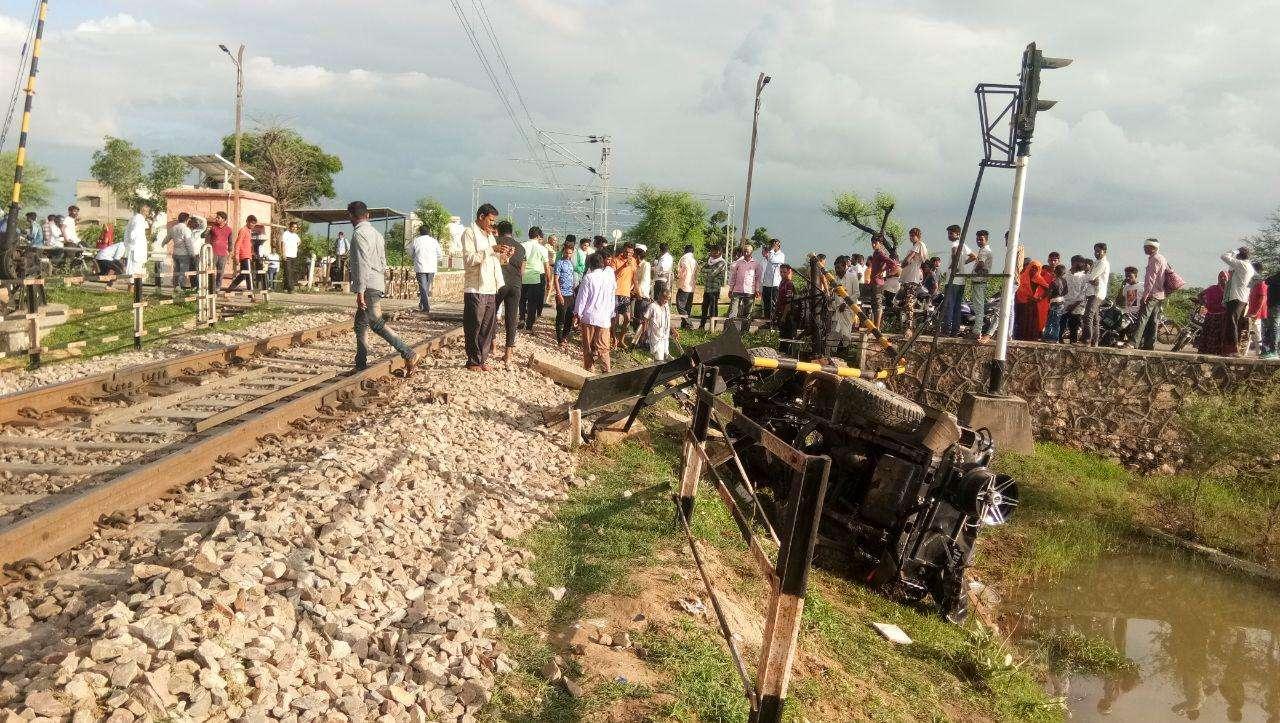 train accident at chaksu jaipur