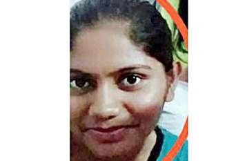 गढ़वा थाने में पदस्थ महिला आरक्षक ने फांसी लगाकर की आत्महत्या