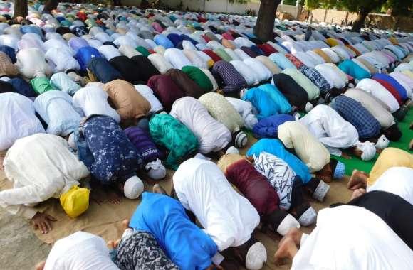 अकीदत के साथ मना कुर्बानी का पर्व ईद- उल -अजहा, मुल्क की सलामती व खुशहाली की मांगी गई दुआ