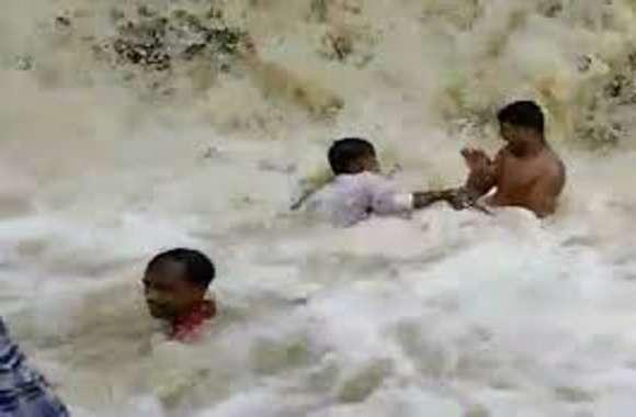 सावधान: टिक टॉक पर वीडिय़ो बना रहा था, पांव फिसला और बह गया झरने में, मनोरंजन के साथ लापरवाही पड़ सकती है जान पर भारी