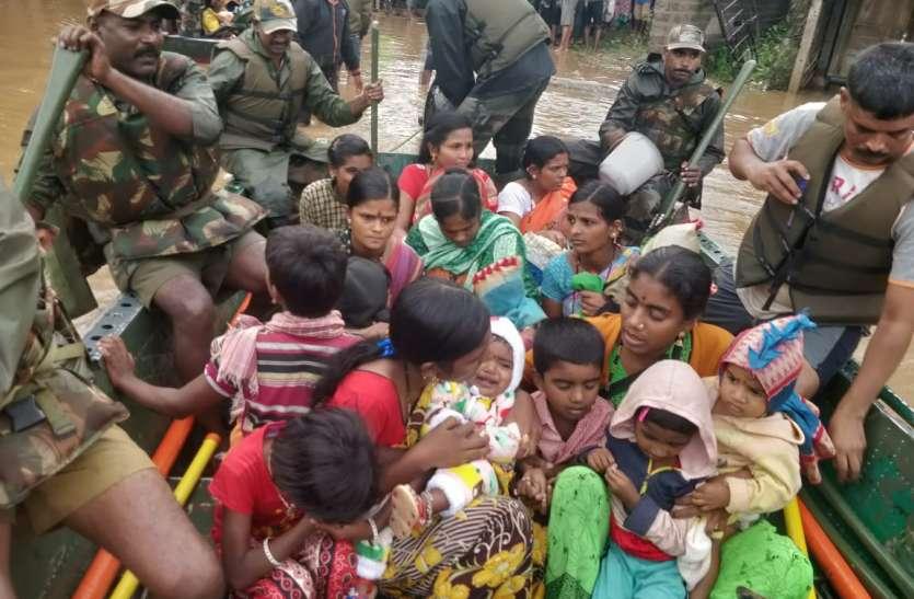 मानवीय संवेदना की मिसाल: बेटी की शादी के लिए रखे 50 लाख रुपए बाढ़ पीडि़तों को दिए