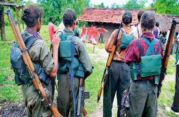 देर रात गांव में आ धमके दो दर्जन नक्सली, मुखबिर बताते किया चार लोगों का अपहरण, इलाके में दहशत